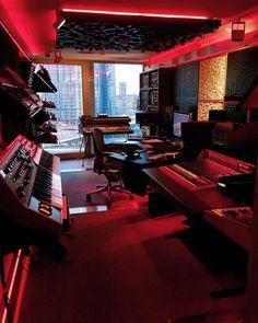 Ideas home studio music recording spaces dreams Home Music Rooms, Music Studio Room, Sound Studio, Home Studio Desk, Configuration Studio, Amsterdam Dance Event, Home Recording Studio Setup, Home Recording Studios, Home Music Studios