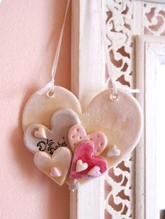 Arts And Crafts Magazine Clay Christmas Decorations, Christmas Clay, Christmas Crafts, Christmas Ornaments, Polymer Clay Projects, Diy Clay, Clay Ornaments, Valentine Crafts, Valentines