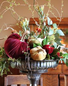 Velvet pumpkins, vines & greenery