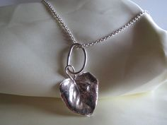Fru Hera - Unikke håndlavet sølv halssmykke lavet i sølv 999 med sølv kæde