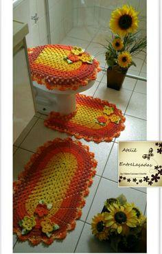 Crochet Table Mat, Bathroom Sets, Crochet Hats, Ursula, Quotes, Crochet Carpet, Colorful Bathroom, Bathroom Mat, Crafts