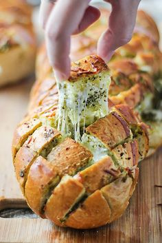 Cheesy Pesto Pull-Apart Bread - Feed a crowd with this easy 4 ingredient appetizer.