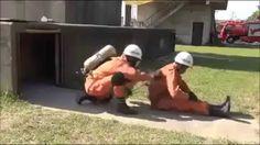 Treinamento de bombeiros japoneses