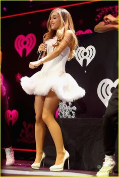 Ariana Grande: I Didn't Diss Selena Gomez at Jingle Ball!: Photo Ariana Grande looks wonderful in white as she takes the stage for KIIS FM's 2013 Jingle Ball concert held at Staples Center on Friday night (December in… Ariana Grande Outfits, Ariana Grande Fotos, Ariana Grande Legs, Adriana Grande, Ariana Grande Pictures, Adriana Lima 2014, In Pantyhose, Nylons, Beautiful Celebrities