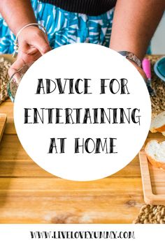 Easy Entertaining: Advice for Entertaining at Home Perfect Pizza, Good Pizza, Perfect Party, Rock And Roll Birthday, Family Fun Night, Inviting Home, How To Make Pizza, Easy Entertaining, Throw A Party