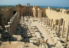 Básilica de los Severos, en Leptis Magna (Libia).