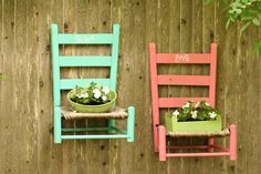 66 Creative Garden Edging Ideas To Set Your Garden Apart Old Wooden Chairs, Old Chairs, Painted Chairs, White Chairs, Dining Chairs, Chair Planter, Diy Hanging Planter, Diy Garden Decor, Garden Crafts