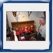 In the Settlebed school tour Teacher, Tours, Activities, Education, School, Children, Fun, Young Children, Professor