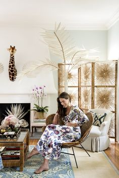 Domino magazine recently published photos of designer Rebecca de Ravenel's Los Angeles abode (remember her bons bons earrings?) and the space is fabulous to say the least. A tropical west coa…