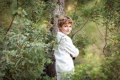 Alejandro - Fotografía de Comunión - Alba Soler Photography Alba Soler, Boy Models, We Are Young, Poses, Art Model, Communion, Children Photography, Character Inspiration, Family Photos