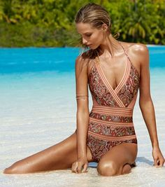 Gorgeous swim suit http://rstyle.me/n/ibcvdnyg6