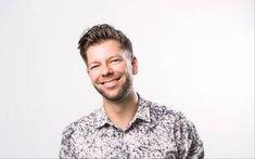 """Markkinointi & Mainonta: """"Palvelumuotoilu alkaa asiakastarpeiden ja asiakkaan toiminnan kartoittamisella"""" Button Down Shirt, Men Casual, Mens Tops, Shirts, Fashion, Moda, Dress Shirt, Fashion Styles, Dress Shirts"""