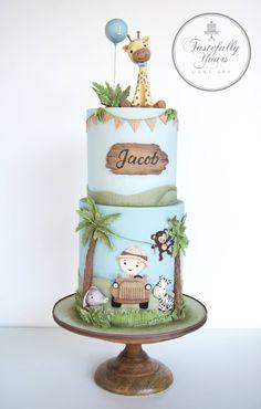 What a cute Safari theme birthday cake 😊 . Jungle Safari Cake, Safari Birthday Cakes, Jungle Theme Cakes, Safari Cakes, Giraffe Cakes, First Birthday Cakes, Boy Birthday, Purple Birthday, Baby Cakes