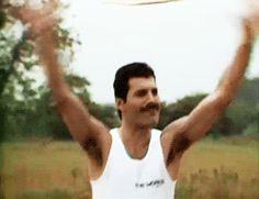 (My Gif) Freddie Mercury/Queen. 1982.