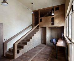 houten ruimte | trap en kast | alles loopt in elkaar over | kamer = meubel