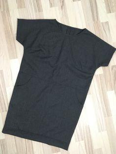 Mønster og vejledning til nem oversize kjole. Str 40. Model 1. Sewing Clothes Women, Drops Design, Knit Crochet, Textiles, Model, Couture, Knitting, How To Wear, Tops