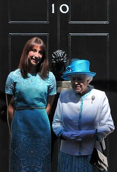 Samantha Cameron and the Queen on the steps of No 10 Samantha Cameron, Street Pictures, Party Organization, Queen Elizabeth, News, Lady, Style, Fashion, Swag