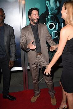 """Keanu Reeves Photos Photos - Actor Keanu Reeves attends Summit Entertainment's premiere of """"John Wick"""" at the ArcLight Hollywood on October 22, 2014 in Hollywood, California. - 'John Wick' Premieres in LA"""