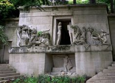 Mausoleum with incredible statuary.