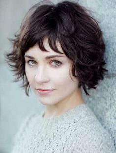 Short Wavy Hairstyle With Bangs