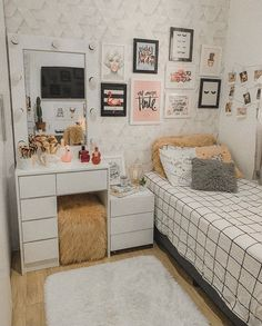 Room Design Bedroom, Room Ideas Bedroom, Home Room Design, Small Room Bedroom, Home Decor Bedroom, Dorm Room, Study Room Decor, Bedroom Decor For Teen Girls, Preteen Girls Rooms