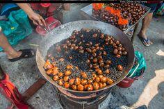 Birma - prażone -pieczone kasztany #kasztany #birma #targowisko #travel