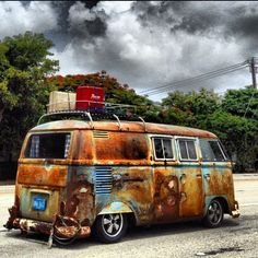 Didn't know whether to pin this to the 'R.I.P. Rust in Pieces' board or the 'Campervan' board.