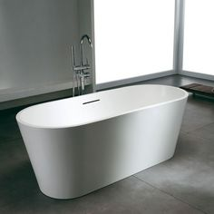 Bañera Solid Surface WASHINGTON 170 cm http://www.entornobano.com/collections/baneras-solid-surface/products/banera-solid-surface-washington-170-cm