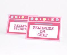 Plaquinha de mesa no tema Mini Chef para identificar as comidas e bebidas ou nomes nas mesas reservadas!