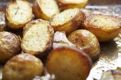 Femina.hu - Énidő. Veled. Garlic Recipes, Potato Recipes, Potato Sides, I Want To Eat, Pretzel Bites, Food To Make, Cake Recipes, Potatoes, Cooking Recipes