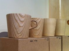 Awesome carved wood mugs! I love how the woodgrain stands out.