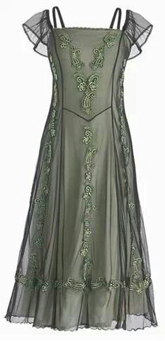 Celtic Dress - Maud Gonne Dress to wear to my kids' weddings? Dress Outfits, Dress Up, Cute Outfits, Fashion Outfits, Vintage Dresses, Vintage Outfits, Vintage Fashion, Vintage Beauty, Beautiful Gowns