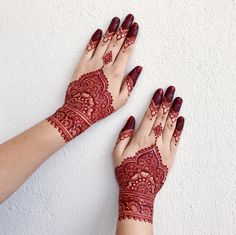 Henna detailings is an escape from everything - henna artist/doodle artist Agree?? Goodnight ❤️ #hennaselangor #hennakl #hennabangsar…