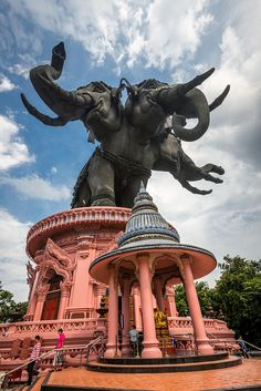 Giant elephants at the entrance to Erawan Museum in Bangkok, Thailand