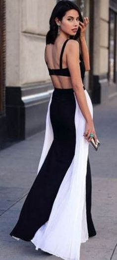 Love Love Love this Maxi Dress! Sexy Black and White Backless Patchwork Shoulder-Strap Cut Out Square Neck Maxi Dress #Sexy #Romantic  #Backless #Black_and_White #Maxi #Dress #Summer #Fashion