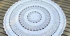 Kaunis, iso, pyöreä ja valkoinen miniontelokuteesta virkattu matto, Asteri-maton ohjeesta muokattu. Crochet Home, Knit Crochet, Iso, Knitting, Crocheting, Home Decor, Round Shag Rug, Crochet Carpet, Crochet