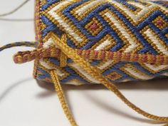 Taschen: Blue, white gold purse finished!