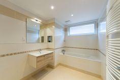 Демонстрационная квартира. Ванна Corner Bathtub, Alcove, Bathroom, Prague, Washroom, Full Bath, Bath, Bathrooms, Corner Tub