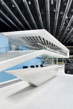 Booth Design Volkswagen Exhibition Stall, Exhibition Stand Design, Exhibition Display, Futuristic Architecture, Interior Architecture, Angular Architecture, Reception Design, Event Design, Display Design