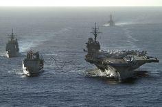 Авианосец «Китти Хок», заправка в море, 2005
