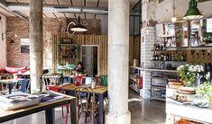 Resultado de imaxes para sofa banco barcelona para cafeteria
