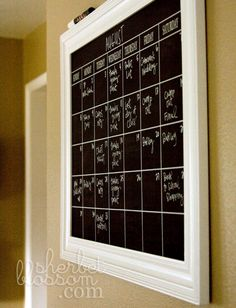love this calendar!!  need to make one with a DIY chalkboard.