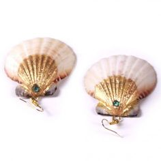 shell earings. i love ocean inspired jewelry!!!!!