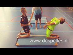 Bal-Drop Battle in de gymles!Dit leuke reactiespel kun je echt overal spelen. Wie weet als eerste op het vallende balletje te reageren? Pe Activities, Pe Games, Physical Education Games, Exercise For Kids, Team Building, Physics, Leadership, Classroom, Teaching