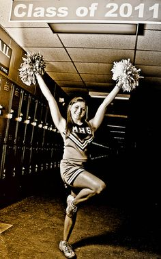 senior pic idea.. love the coloring (sepia?_