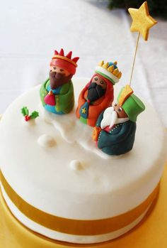 Items similar to Fondant Three Wise Kings Christmas Cake Topper on Etsy Christmas Cake Topper, Christmas Cakes, Christmas Baking, Christmas Ideas, Splenda, Xmas Cakes, Cake Packaging, Fondant Cake Toppers, Educational Crafts