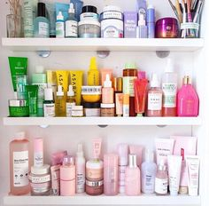 Helpful Skin Care – Daily face care routine for a smooth and pretty skin. For ex… - Skin Care Beauty Care, Beauty Skin, Beauty Makeup, Beauty Hacks, Beauty Tips, K Beauty Products, Diy Beauty, Skin Care Products, Beauty Desk
