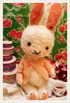 Cute stuffed bunny.                                                           ~hippiecoco blogspot