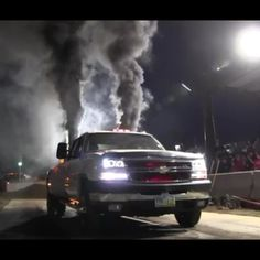 www.DieselTruckGallery.com 2006 Duramax Diesel Rolling Coal