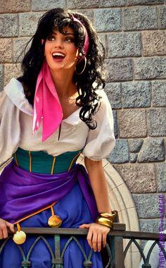 Disney Character Cosplay Esmeralda hunchback of notre dame Disney Dream, Disney Love, Disney Magic, Disney Fairies, Cosplay Disney, Disney Costumes, Disney Princess Costumes, Mermaid Costumes, Disney Outfits